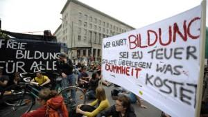 """""""Heißer Herbst des Bildungsstreiks"""""""