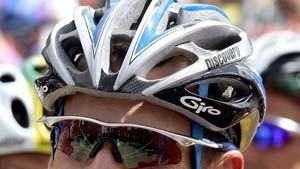 Armstrong dominiert und bleibt vorsichtig