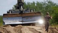 Ungarn beginnt mit Bau von Grenzzaun