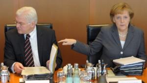 Kabinett billigt schärfere Regeln für Managergehälter