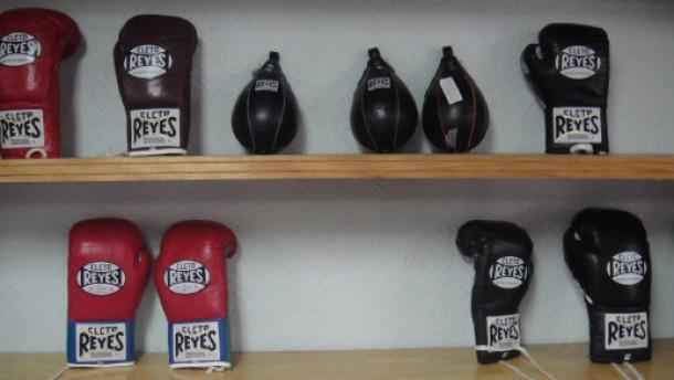 Harte Handschuhe für Knockout-Schläge