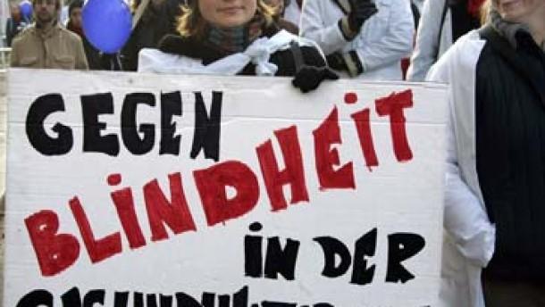 Ärzte protestieren wieder - Streiks in Kliniken