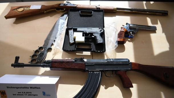 Mutmaßlicher Waffenlieferant des Münchner Amokschützen festgenommen