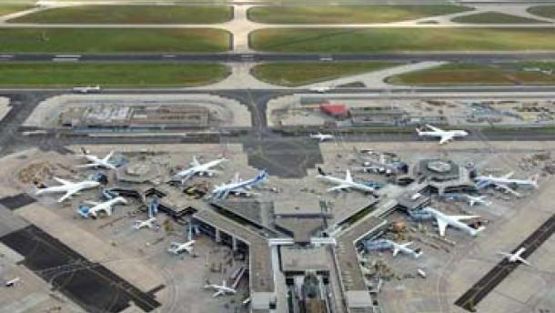 Regionalbahnhof am Flughafen drei Wochen gesperrt