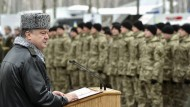 Poroschenko auf Truppenbesuch