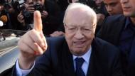 Essebsi erklärt sich zum Sieger