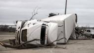 Tornados verwüsten Ortschaften in Amerika
