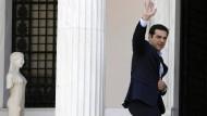 Tsipras bildet Kabinett um