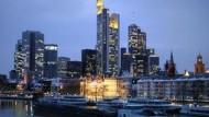 Frankfurt: günstigerer Arbeitsmarkt, höhere Kosten für Lebenshaltung