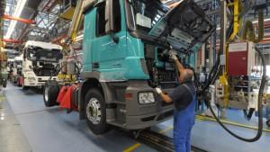 Europas Lastwagenhersteller unter Kartellverdacht