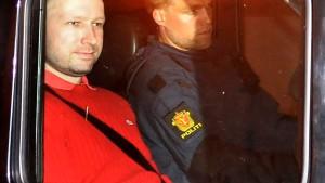Attentäter Breivik ergab sich mit Anruf bei der Polizei