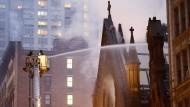 Feuer zerstört Kirche in New York