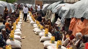 UN fliegen erste Hilfsgüter nach Somalia