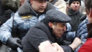 Kasparow fünf Tage in Haft - Bundesregierung protestiert