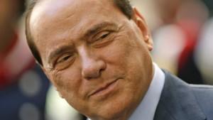 Das Regierungslager schart sich um Berlusconi