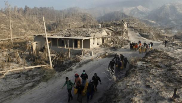 25 Menschen sterben nach Merapi-Ausbruch