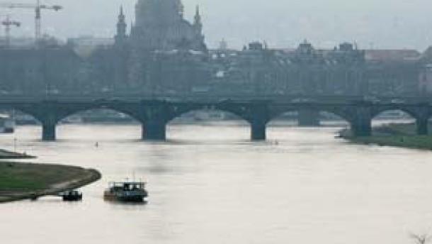 Eine Brücke als Verfassungsproblem