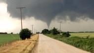 30 Tornados und tennisballgroße Hagelkörner