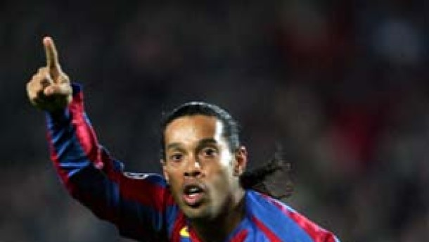 Ronaldinho schießt Barcelona ins Viertelfinale