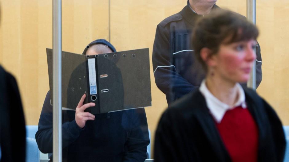Prozessauftakt gegen mutmaßlichen IS-Kämpfer