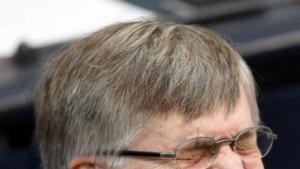 Merkel will Peter Hintze nach Brüssel schicken