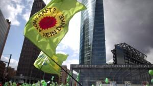 Massendemonstrationen gegen Atomkraft