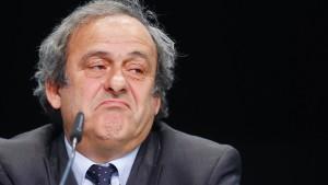 Platini hat die Nase voll