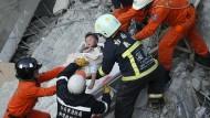 Rettungseinsatz nach schwerem Erdbeben