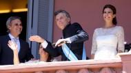 Argentiniens Präsident tanzt zum Amtsantritt