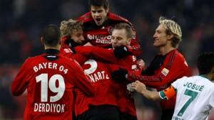 Leverkusen legt vor, auch Schalke legt nach