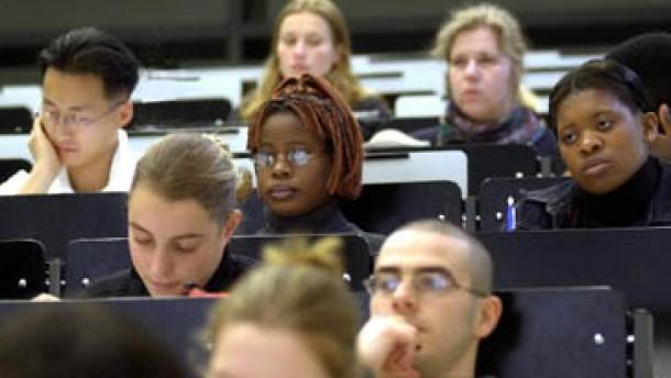 Der Alptraum vieler Studenten wird Wirklichkeit