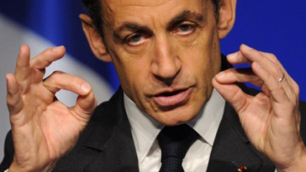 Sarkozy redet Renault rein