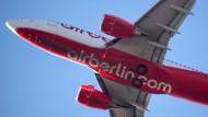Air Berlin halbiert Flotte und baut 1200 Jobs ab