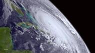 """Super-Hurrikan """"Joaquin"""" zieht auf Amerika zu"""