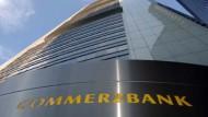 Die Commerzbank hat ihren Gewinn mehr als verdreifacht