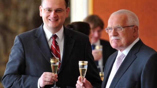 Klaus ernennt Necas als neuen Ministerpräsidenten