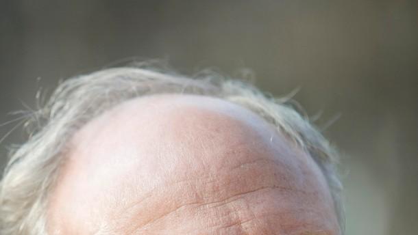 Geht erfolgreich seinen Weg und ist deshalb Portrait für Seite 3 BuC: Hans-Werner Sinn, Leiter des IFO Instituts