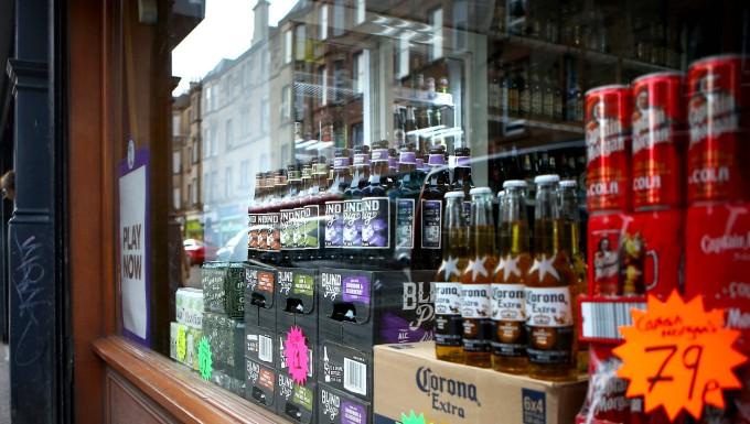 Nach Mindestpreis in Schottland Auch höhere Alkohol-Preise in Deutschland gefordert