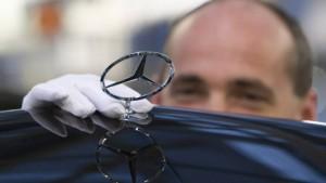 Daimler schickt 20.000 Menschen in Kurzarbeit
