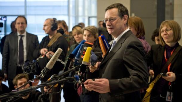 Bundestag stimmt für Königshaus