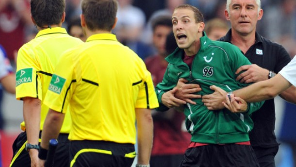 Schiedsrichter verhindert Hannovers Sprung