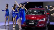 Models sind zu sexy für Automesse