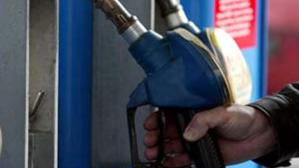 RMZ Spritpreise steigen zum Jahreswechsel deutlich an