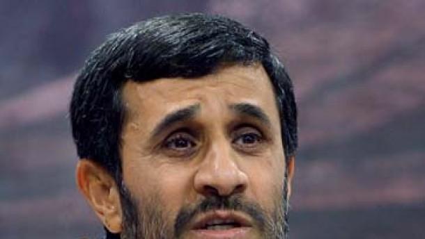 Ahmadineschad droht dem Westen