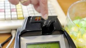 Einzelhandel will Schadensersatz von Banken