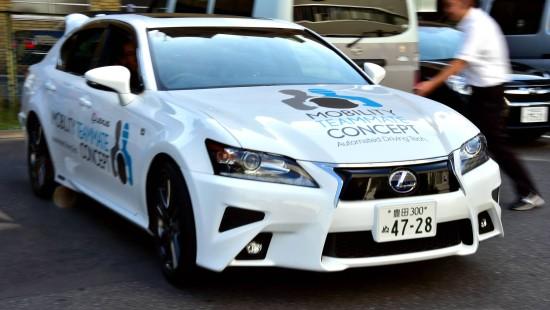 Toyota stellt selbstfahrendes Auto vor