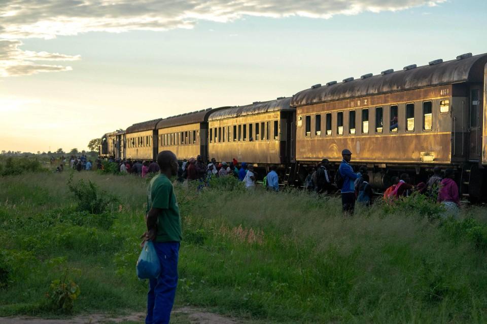 National Rail of Zimbabwe - Manche Waggons fuhren schon in der Kolonialzeit, als das Land noch Rhodesien hieß.