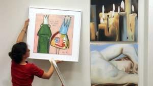 Wühltisch-Stimmung im Supermarkt für Kunst: Bilder für kleines Geld