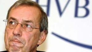 HVB-Chef kritisiert Rückzug von Bank-Vorständen