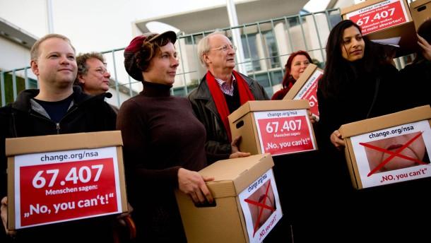 Grüne wollen Schriftsteller-Aufruf in den Bundestag bringen